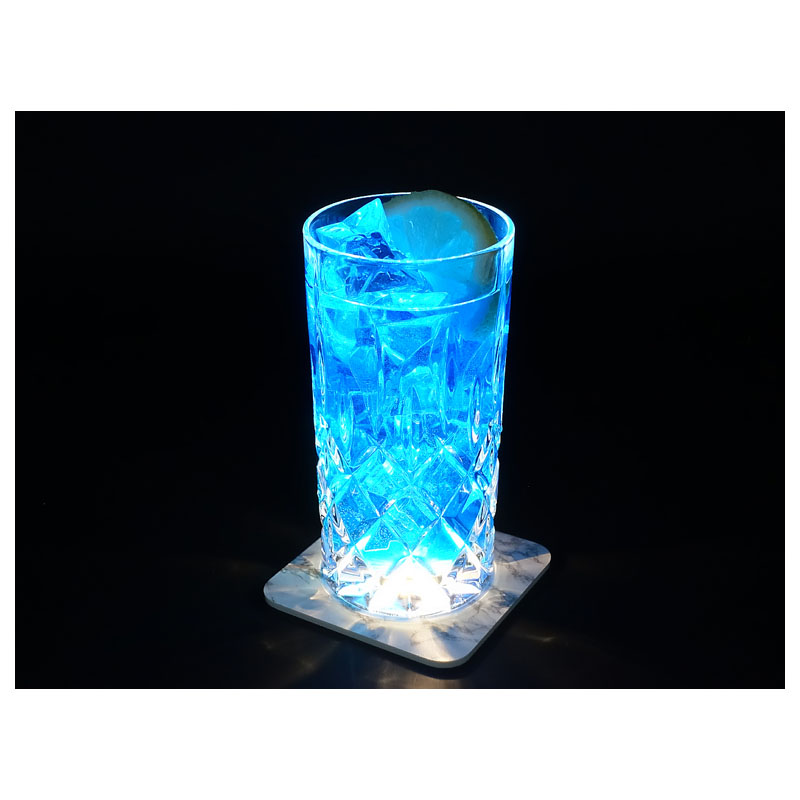 interluxe-led-untersetzer-you-are-the-gin-to-my-tonic-leuchtende-bierdeckel-fuer-gin-tonic_2