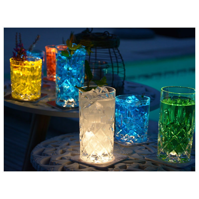 interluxe-led-untersetzer-you-are-the-gin-to-my-tonic-leuchtende-bierdeckel-fuer-gin-tonic_5